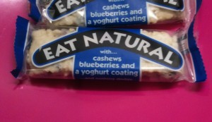 Eat Natural Cashew, Blueberry and Yoghurt Cereal Bar